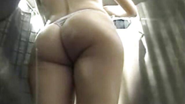 ქალიშვილის ქალის თეთრი შარვალი, მაშინ მიიღებს მისი სექსის ვიდეო დაშორებით ფორთოხალი.