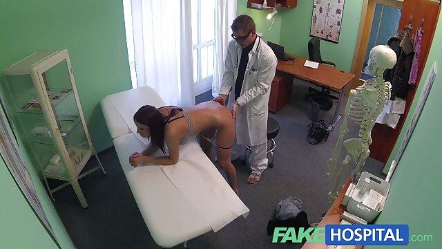 ბიჭი ჭამა პატარა სექსი ვიდეო გაუპატიურება სახლში, გონივრულად სროლა cam.